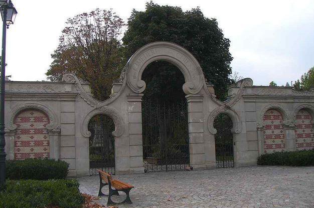 巴黎近郊狗狗公墓