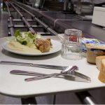 巴黎10区又新开了一家穷人餐馆 大家去蹭过免费饭么?据说吃的还不错呢!