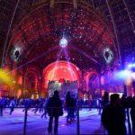 """2012年圣诞节期间巴黎大皇宫""""变身滑冰场"""